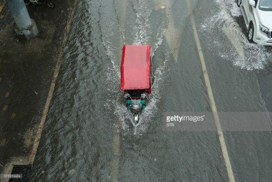 Chiny - Pekin sparaliżowany, pada bez przerwy od kilku dni -4