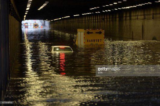 Chiny - Pekin sparaliżowany, pada bez przerwy od kilku dni -8