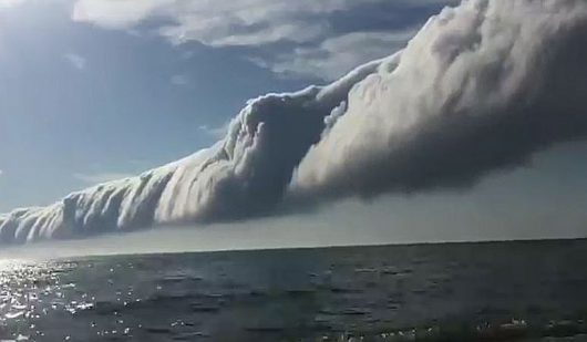Chmura rotorowa nad jeziorem Michigan 1
