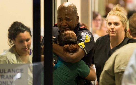 Dallas, USA - Podczas demonstracji przeciwko brutalności policji snajperzy postrzelili 11 policjantów specjalnej jednostki SWAT -1