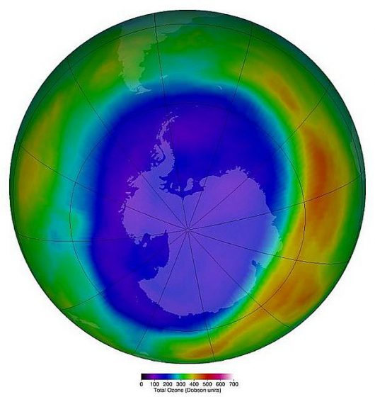 Dziura ozonowa w 2000 roku /NASA