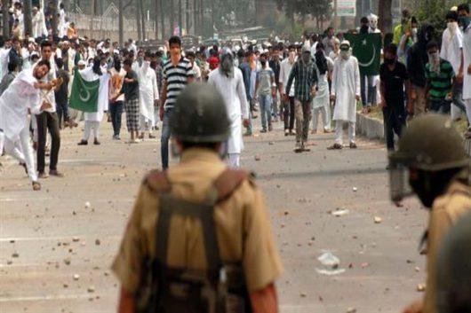 Indie - W Kaszmirze od trzech dni trwają starcia -4