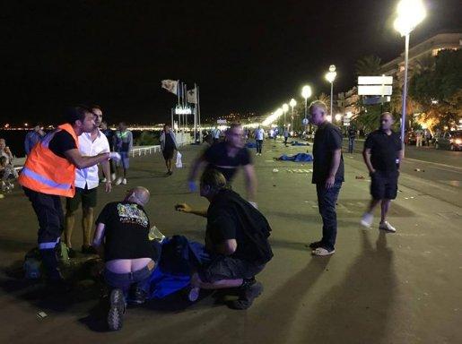 Nicea, Francja - Ciężarówka wjechała w tłum ludzi na promenadzie -4