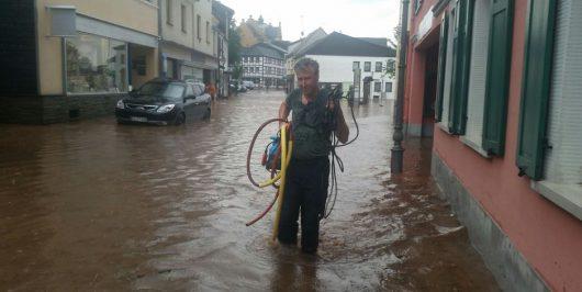 Niemcy - Ponad metr wody na ulicach w Mechernich -2