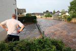 Niemcy - Ponad metr wody na ulicach w Mechernich -4
