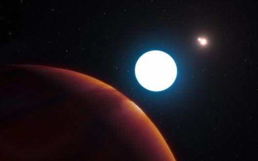 Tak z powierzchni planety HD 131399Ab wyglądają jej słońca, © ESO/L. Calçada