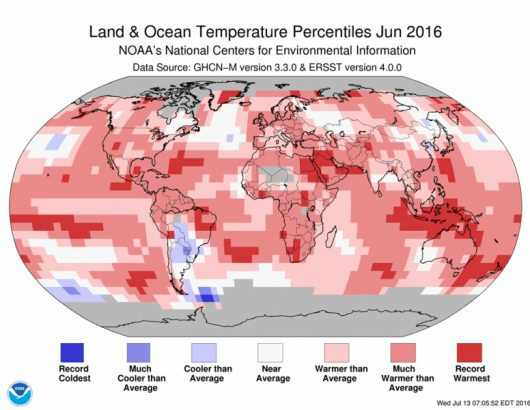 Odchylenie średniej miesięcznej temperatury od normy w czerwcu 2016