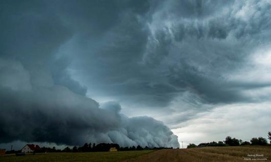 Polska - Piękna chmura szelfowa koło Rzeszowa -2