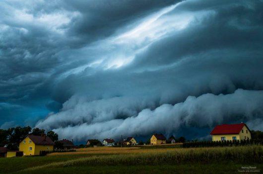Polska - Piękna chmura szelfowa koło Rzeszowa