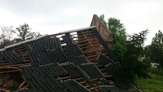 Polska - Podczas nawałnicy wiatr zrywał dachy z domów -2