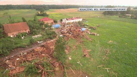 Polska - Podczas nawałnicy wiatr zrywał dachy z domów -3
