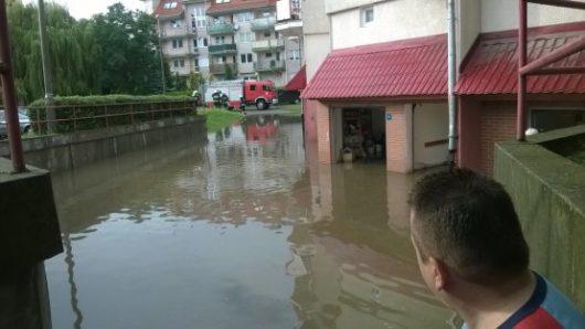 Polska - Podczas nawałnicy wiatr zrywał dachy z domów -7