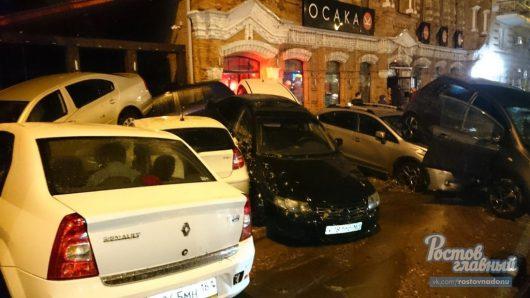 Rosja - Ulewy nad Rostowem zamieniły ulice w rzeki -2