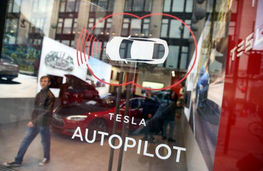 USA - Pierwszy śmiertelny wypadek samochodu Tesla model S -2