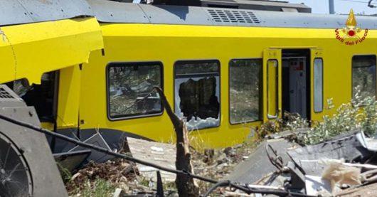 Włochy - Dwa pociągi pasażerskie zderzyły się czołowo -2
