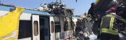 Włochy - Dwa pociągi pasażerskie zderzyły się czołowo -3