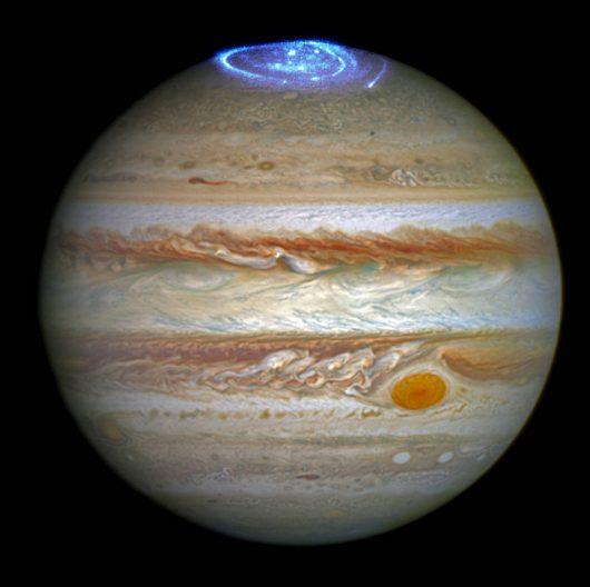 Zorza na Jowiszu zarejestrowana pzrez teleskop Hubble'a 1
