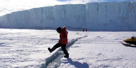 Antarktyda - Gwałtownie zaczął pękać lodowiec szelfowy Larsen C -3