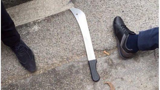 Charleroi, Belgia - Algierczyk, który w sobotę zaatakował maczetą dwie policjantki był objęty nakazem wydalenia -2