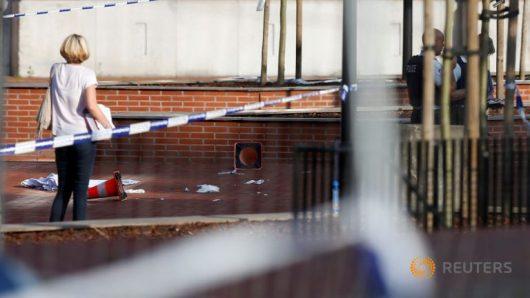 Charleroi, Belgia - Algierczyk, który w sobotę zaatakował maczetą dwie policjantki był objęty nakazem wydalenia -3