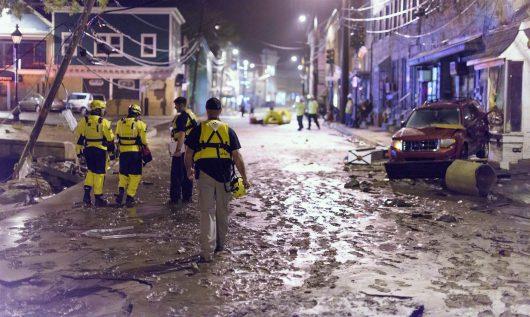 Ellicott City, USA - W ciągu zaledwie dwóch godzin ulewnego deszczu spadło 150 l_mkw -1