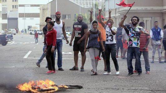 Etiopia - Służby bezpieczeństwa zaczęły strzelać do ludzi w antyrządowej demonstracji -2