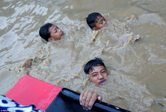 Filipiny - Siedemdziesiąt tysięcy osób ewakuowanych -5