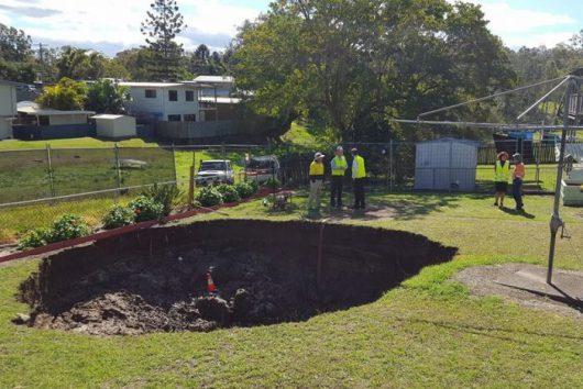Ipswich, Australia - W ogródku powstał nagle lej krasowy -1