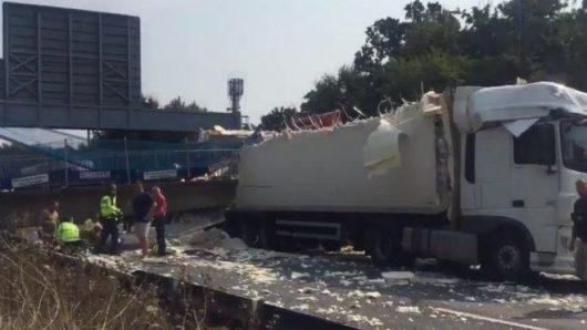 Kent, UK - Zawalił się wiadukt na autostradę M20 -2