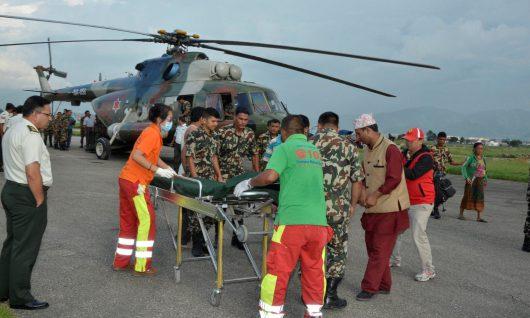 Nepal - Przepełniony autobus spadł z górskiej drogi -1