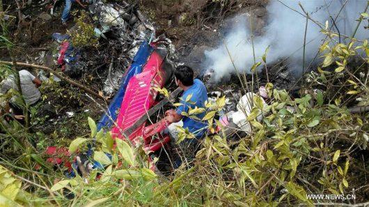 Nepal - Rozbił się śmigłowiec transportujący chore dziecko, zginęło 7 osób