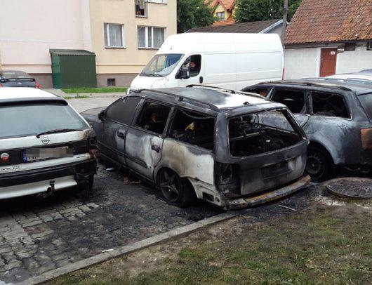 Pisz, Polska - Wyjątkowy kretynizm, wlewał w nocy benzynę do baku i przyświecał sobie zapalniczką -2