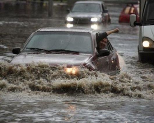 Rosja - Moskwa pod wodą, największa ulewa od 137 lat -14