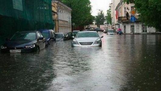 Rosja - Moskwa pod wodą, największa ulewa od 137 lat -2