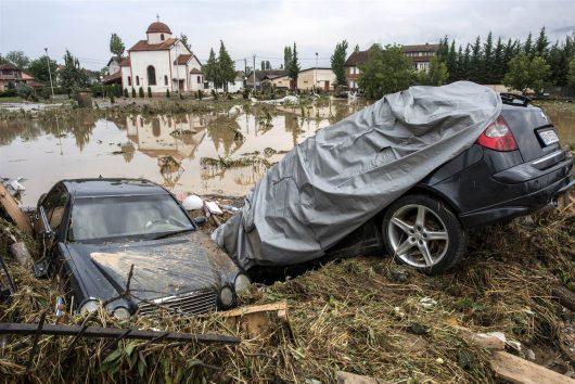 Skopje, Macedonia - Co najmniej 20 osób zginęło podczas nawałnicy -19