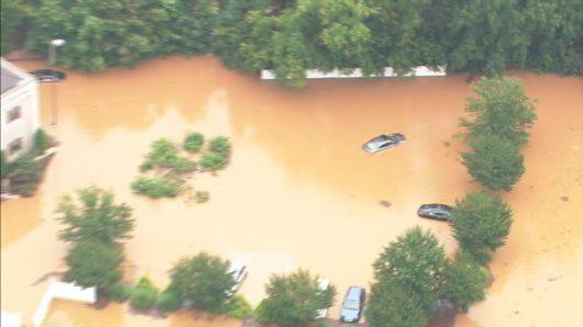 Statesville, USA - Gwałtowna powódź w Karolinie Północnej -2