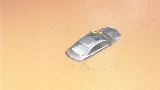 Statesville, USA - Gwałtowna powódź w Karolinie Północnej -3