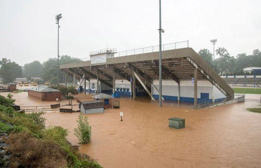 Statesville, USA - Gwałtowna powódź w Karolinie Północnej -4