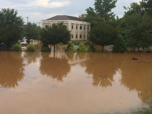 Statesville, USA - Gwałtowna powódź w Karolinie Północnej -6