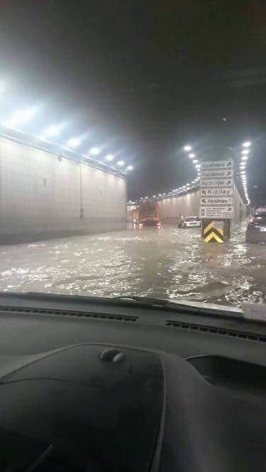 Turcja - Powódź błyskawiczna w Ankarze -6