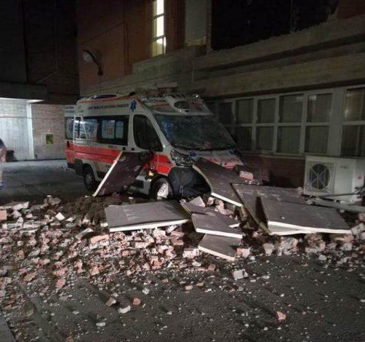 Włochy - Bardzo płytkie i silne trzęsienie ziemi, magnituda 6.2