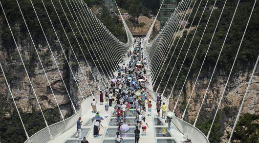 Zhangjiajie, Chiny - Otwarto najwyższy szklany most na świecie -8