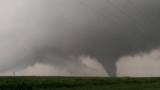 homer-usa-tornado-niszczylo-domy-w-illinois-2