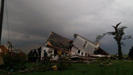 homer-usa-tornado-niszczylo-domy-w-illinois-3