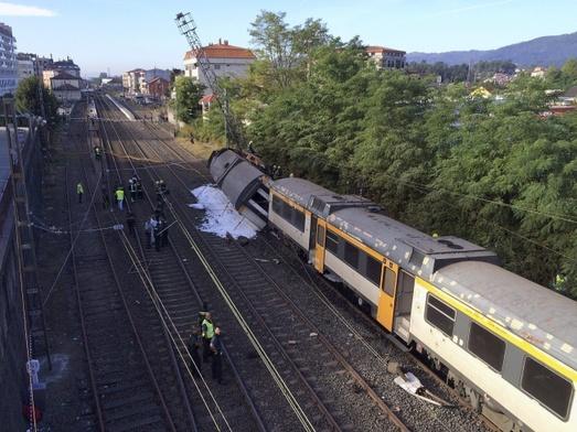 o-porrino-hiszpania-co-najmniej-4-osoby-zginely-w-katastrofie-kolejowej-4