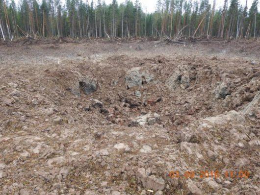 rosja-powstal-krater-a-drzewa-w-promieniu-kilkuset-metrow-zostaly-powalone-1