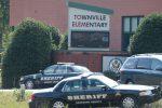 townville-usa-nastolatek-zaczal-strzelac-w-podstawowce-w-karolinie-poludniowej-1