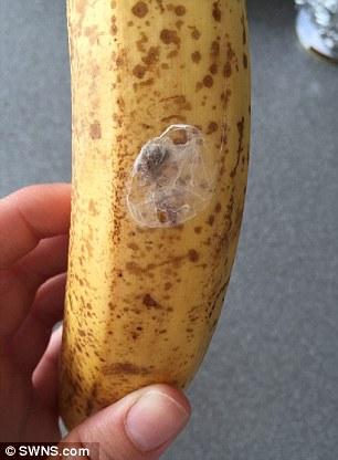 Losyziemipl Leicester Uk Kobieta Z Zakupionymi Bananami