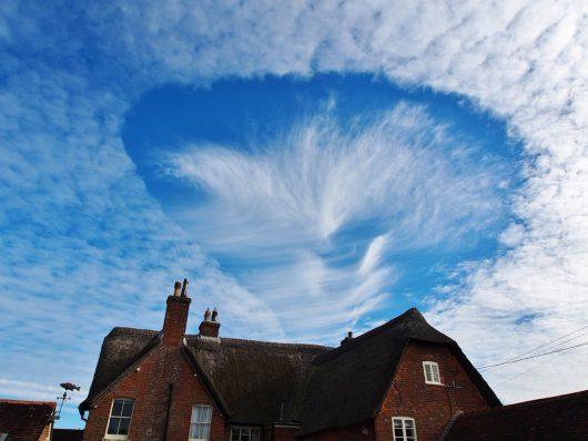 dziurawe-chmury-nad-wielka-brytania-6