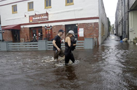 huragan-matthew-zabil-na-haiti-okolo-tysiaca-osob-w-karolinie-polnocnej-ogloszono-stan-wyjatkowy-ze-wzgledu-na-zniszczenia-i-powodz-3